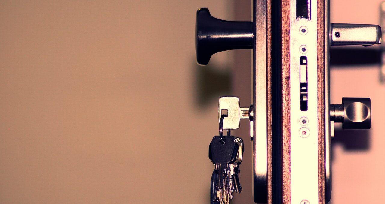 Sådan sikrer du dit hus og din vinduer
